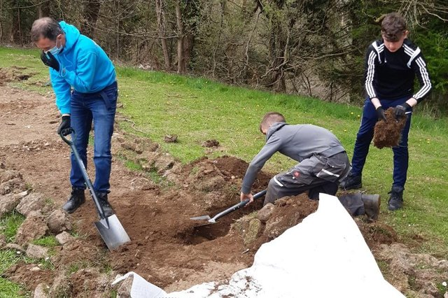 Pupils from Douglas-Ewart High are creating a path in Douglas Park to make it more accessible